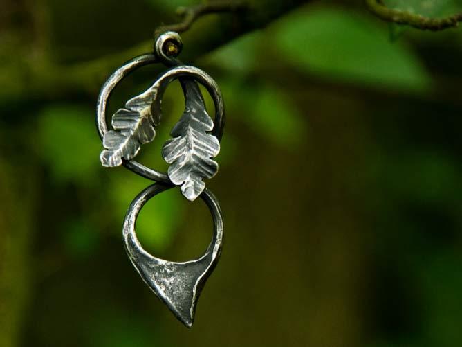 Šperk Dub