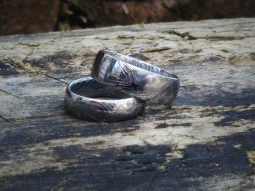 Prstýnky z damascenské nerezové oceli celoleštěné